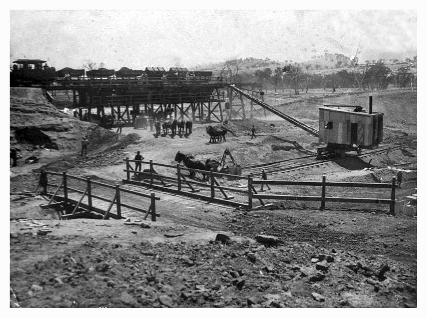 1920 Hume Weir beginning construction-03