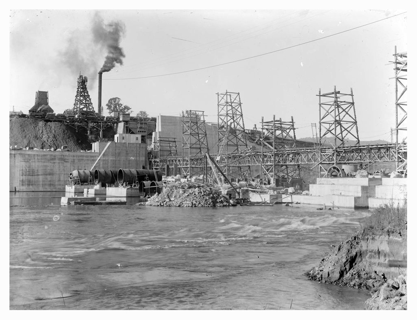 1926 Hume Weir spillway construction 02