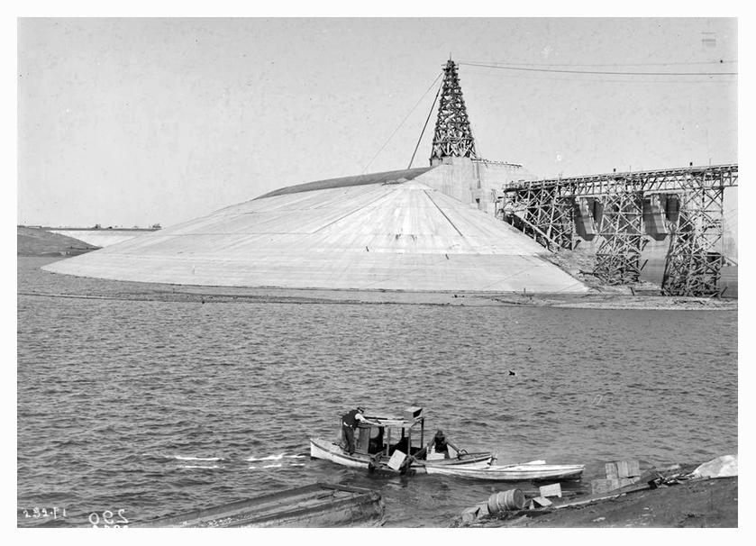 1932 Hume Weir spillway construction