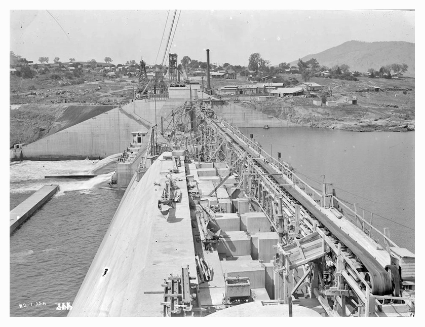 1933 Hume Weir spillway construction 01