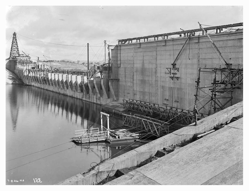 1934 Hume Weir spillway construction 01