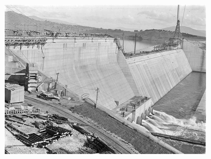 1934 Hume Weir spillway construction 03