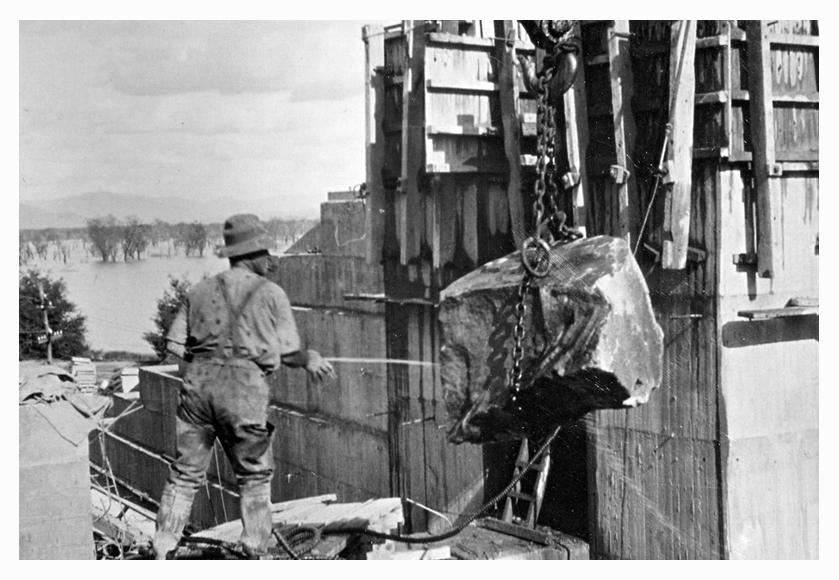 1934 Hume Weir plum pressure cleaned